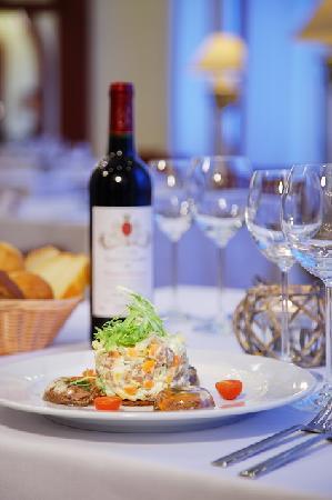 Hotel Oktyabrskaya: Restaurant