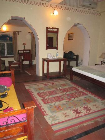 Diggi Palace: Room 208