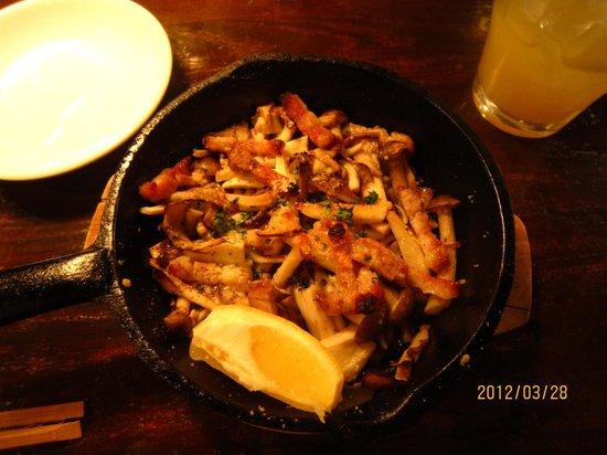 Sanaka Ashiya: お洒落な茸の料理です。