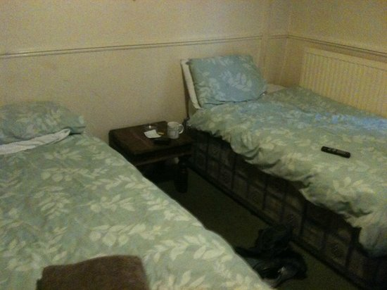 Smithfield Hotel: rickety old beds