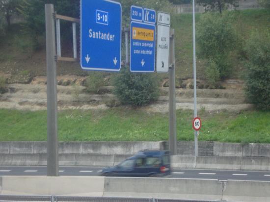 HIBLANC: La super strada dove si affaccia parte dell'hotel
