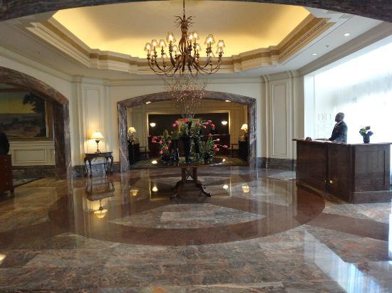 Boston Harbor Hotel: lobby