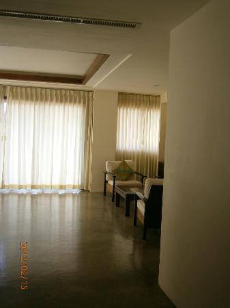 City Inn Vientiane: Vast living space