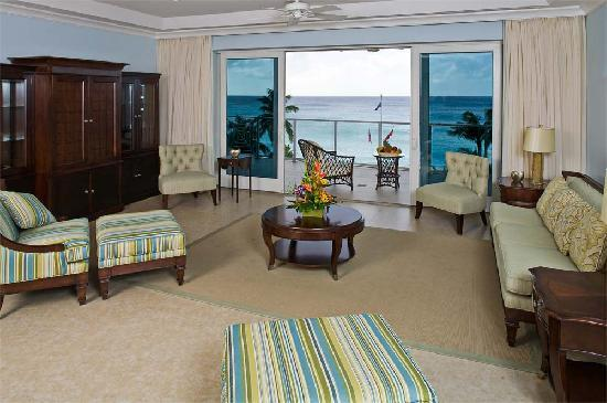 Caribbean Club: Tower suite living room