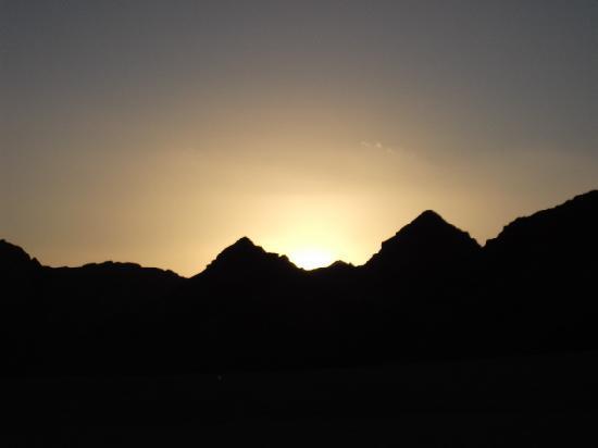Space Vision Sharm: Sunset in Sinai Desert Jan 2012