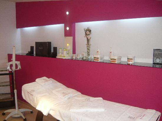 Chic Salon: VIP Room