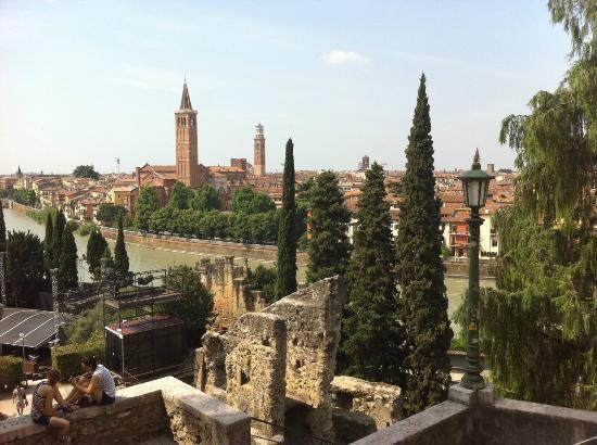 Piazzale Castel San Pietro: Ausblick über Verona