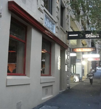 Selah: Exterior shop front