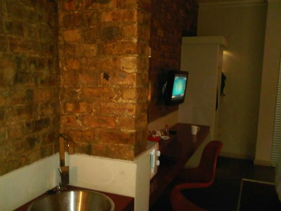 Life Hotels Airport Johannesburg : tv