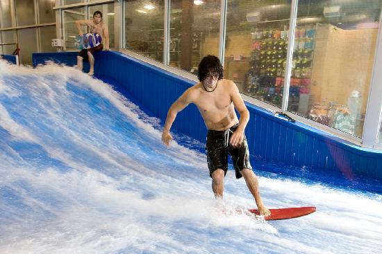Aqua Flowrider Indoor Surfing