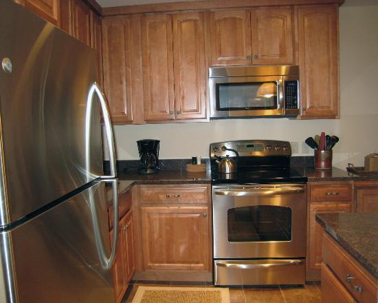 Lichenhearth Condominiums: Kitchen