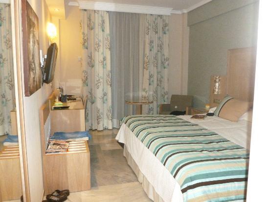 Hotel Balcon de Europa: Bedroom