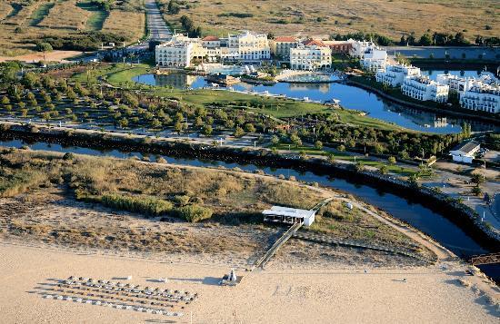 Blue & Green The Lake Spa Resort: Beach