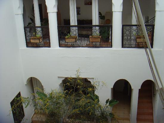 Riad Noor Charana: Patio interior.
