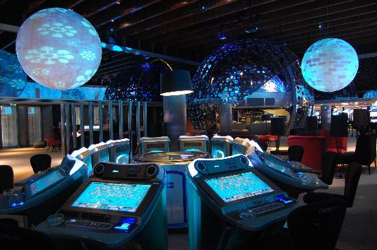 Blue & Green Troia Design Hotel: Casino slot machines