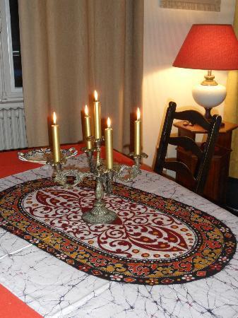 Jayamali Batiks Studio: my christmas table from Jayameli Batiks