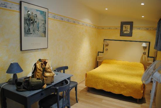 Hotel Le Ponteil : camera