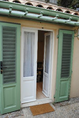 Hotel Le Ponteil : camera ingresso