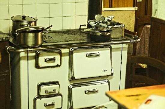 Risultati immagini per cucina di una volta