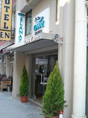 Elanaz Hotel Istanbul: Hotel entrance