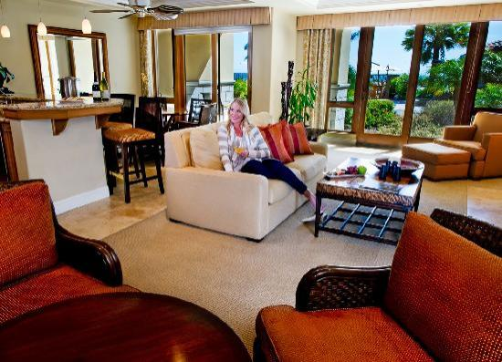 Dolphin Bay Resort & Spa : Two bedroom livingroon