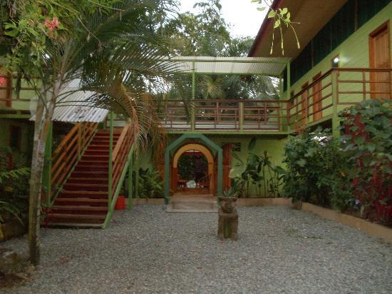 Hotel Blue Conga: Hotel courtyard