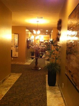 The Tavern Hotel: Hallway