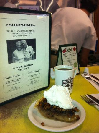 Moody's Diner: Award Winning Walnut Pie