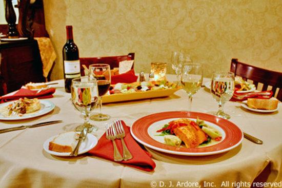 Gourmet Cafe Restaurant: Dinner is ready!