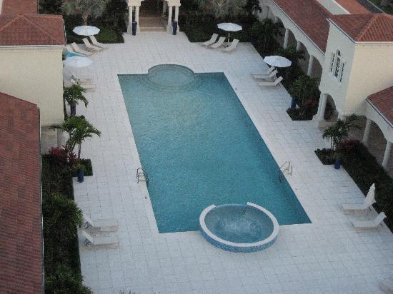 The Venetian on Grace Bay: Pool