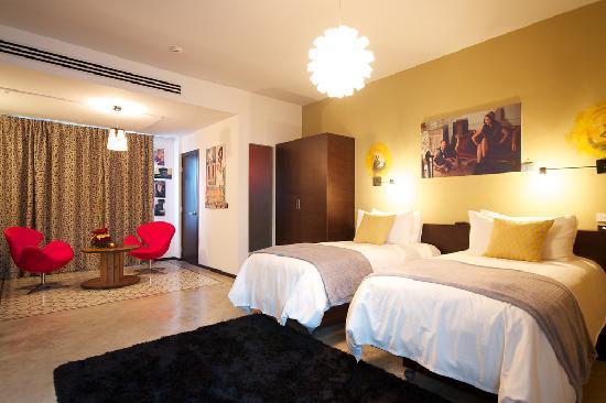 Tantalo Hotel / Kitchen / Roofbar: Casco Viejo Corner