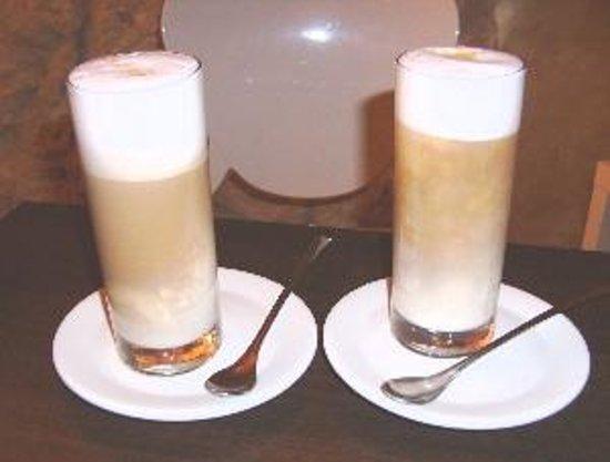 Monna Lisa Caffe: Leonardo makes a great Latte
