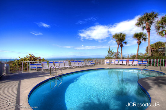 Hamilton House Condominiums: Heated pool on pristine Indian Rocks Beach