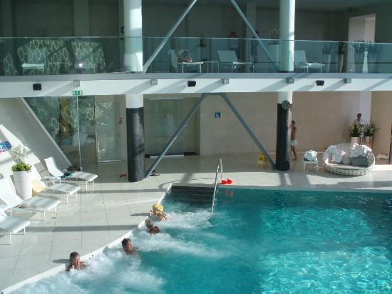 Grand Hotel Bernardin: piscina interna