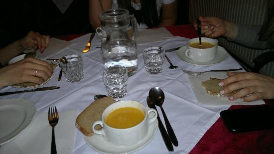 Hotel Mozart: Zuppa come primo piatto