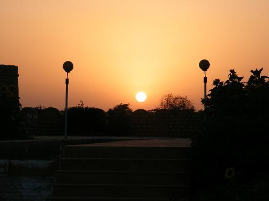 Himmatgarh Palace: sunset