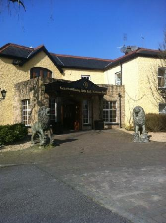 Racket Hall Country House Hotel: entrance