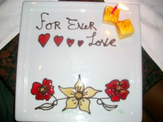 "Windows on Aruba Restaurant: Our special ""love"" plate"