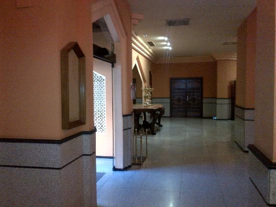 Saray Hotel: Around lobby area