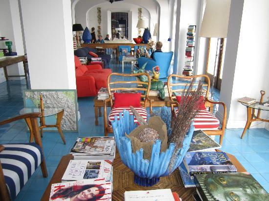 Maison La Minervetta: Hotel Lobby & dining area