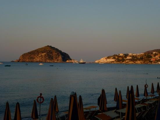 Hotel Parco Smeraldo Terme: early a.m. view of Sant'Angelo from the hotels beach