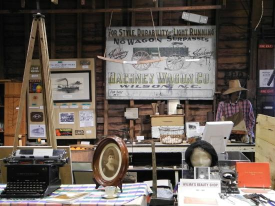 Micanopy Historical Society Museum: A general view shown miscellaneous items