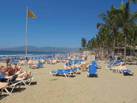 Hotel Riu Vallarta: Lower beach - for those who love sun