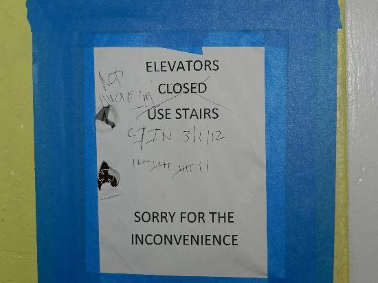Florida Beach Hotels: lift broke message on door