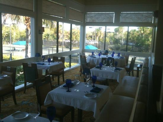 Courtside Steakhouse: The dining room