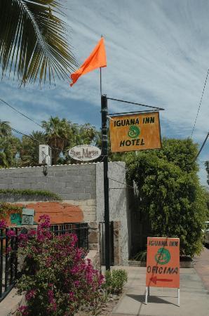 Iguana Inn: View from the street