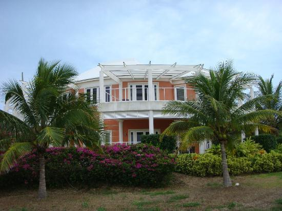 Oceania Properties: Outside of villa