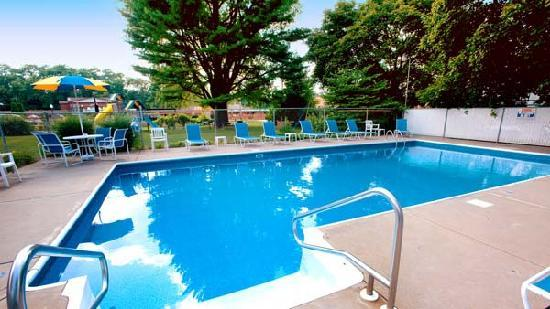 Dell Creek Motel: Pool