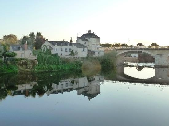 Hotel Le Plantagenet: a short stroll from the river