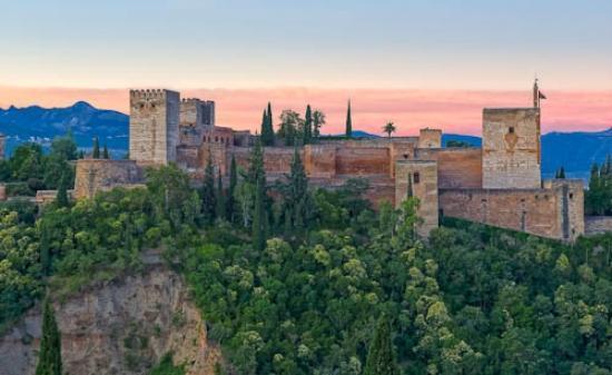 Mirador de San Nicolas: Alhambra dawn from Mirador san Nicolas